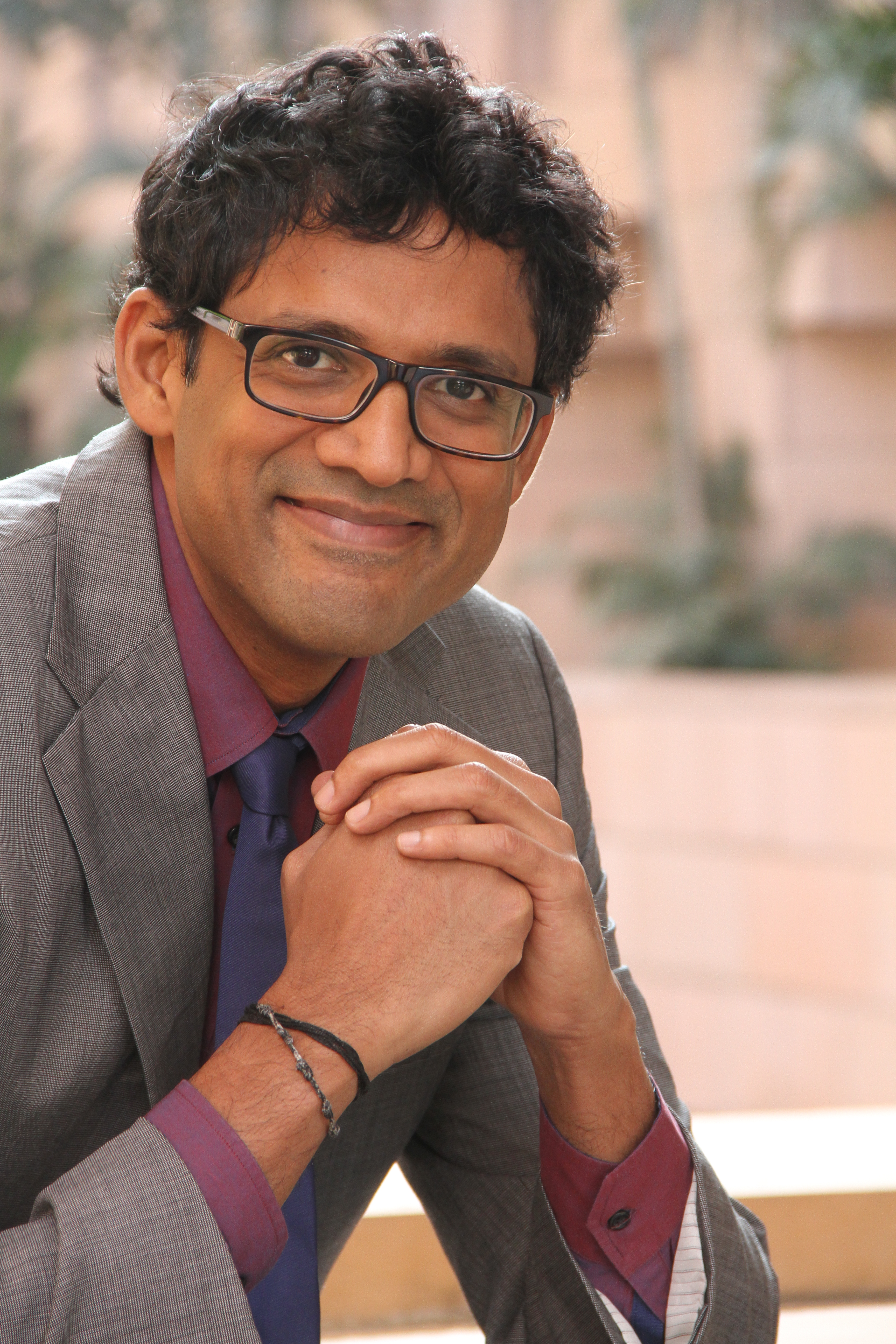52 Dr. Raj Raghunathan – How to Overcome a Traumatic Event & Be Happy Again